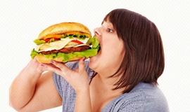누가 왜 더 많이 먹을까?